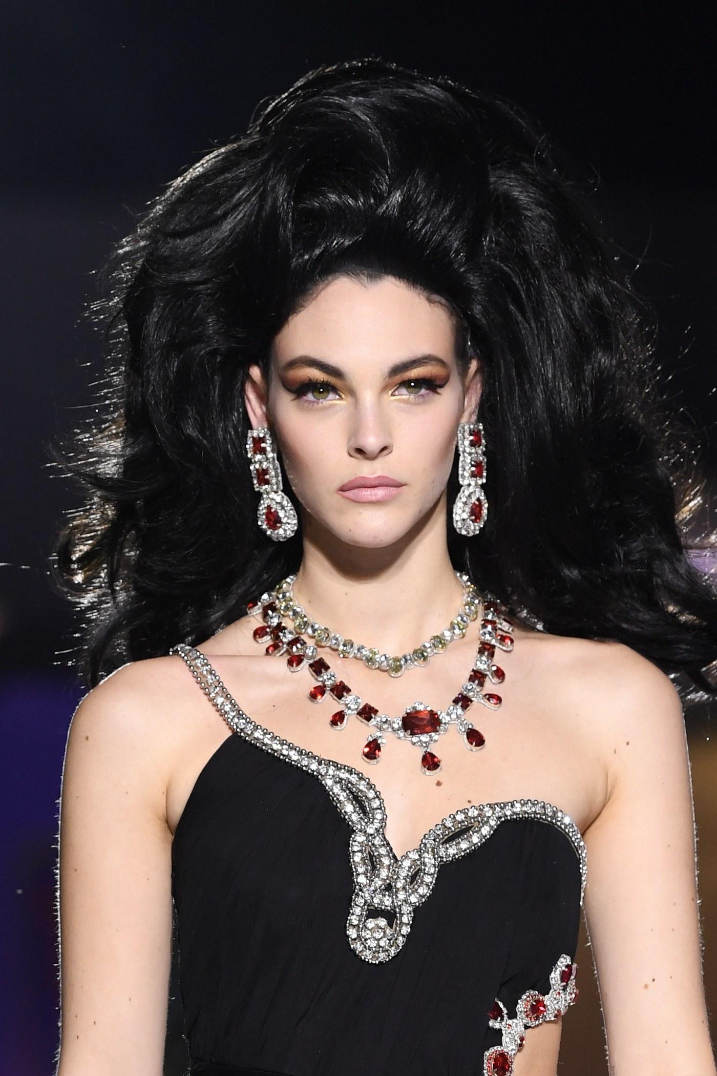 Brincos da Milan Fashion Week luxuosos