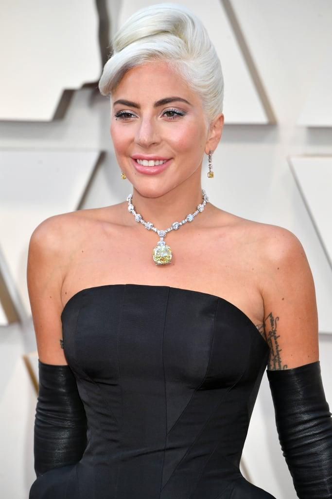 Lady Gaga Looks do Oscar 2019 Colar