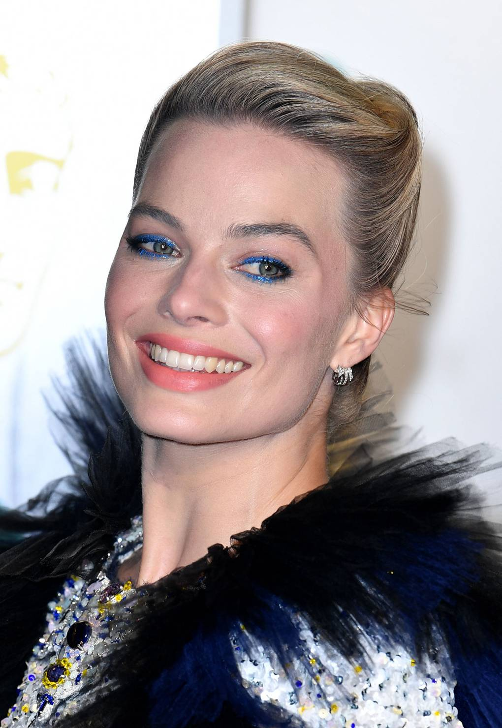 bafta 2019 joias margot robbie