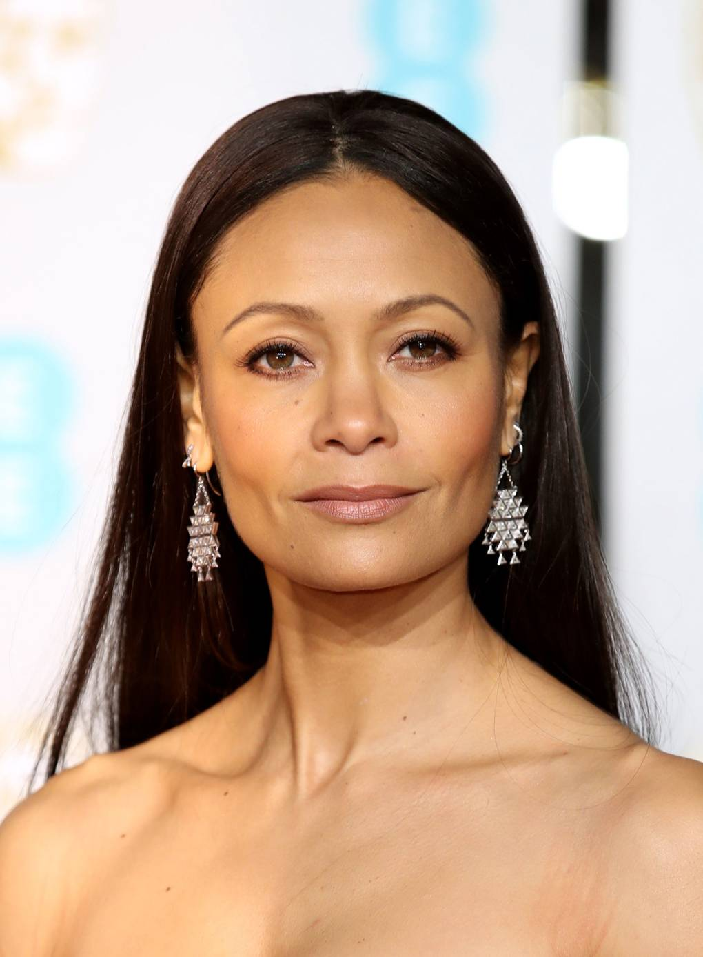 bafta 2019 joias thandie newton