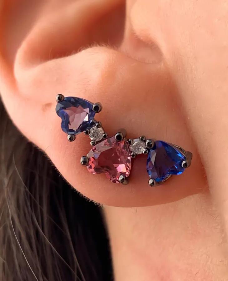 brinco ear cuff colorido coração