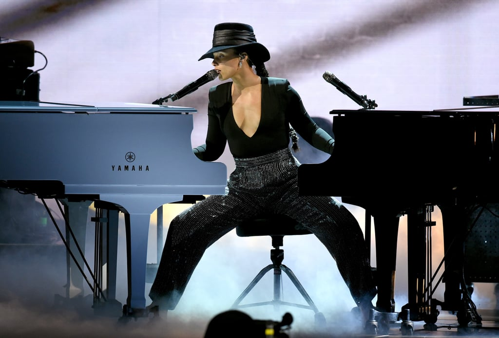 famosas no grammy awards 2019 alicia keys piano