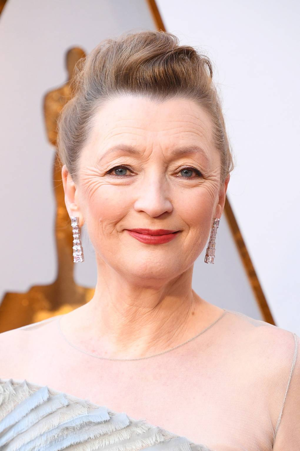 joias do oscar 2018 lesley manville