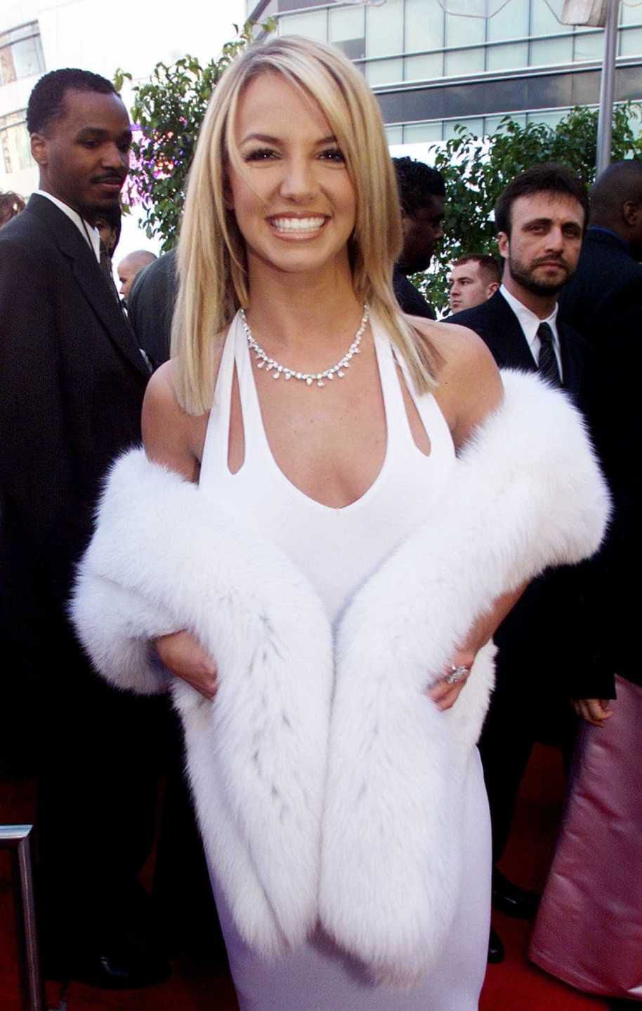 looks do grammy britney spears 2000