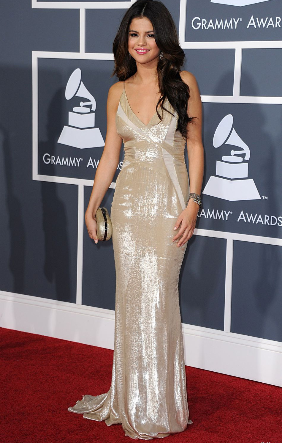 looks do grammy selena gomez 2011
