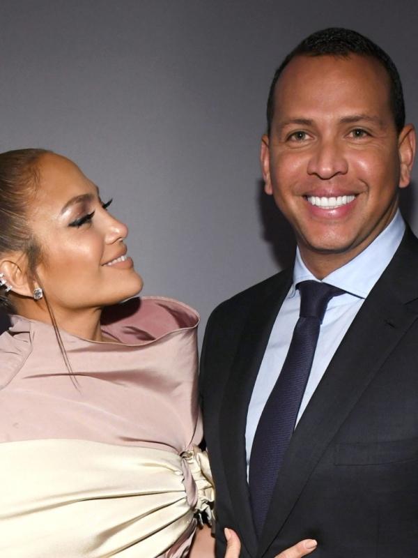 Qual Anel de Noivado da Jennifer Lopez Você Prefere?