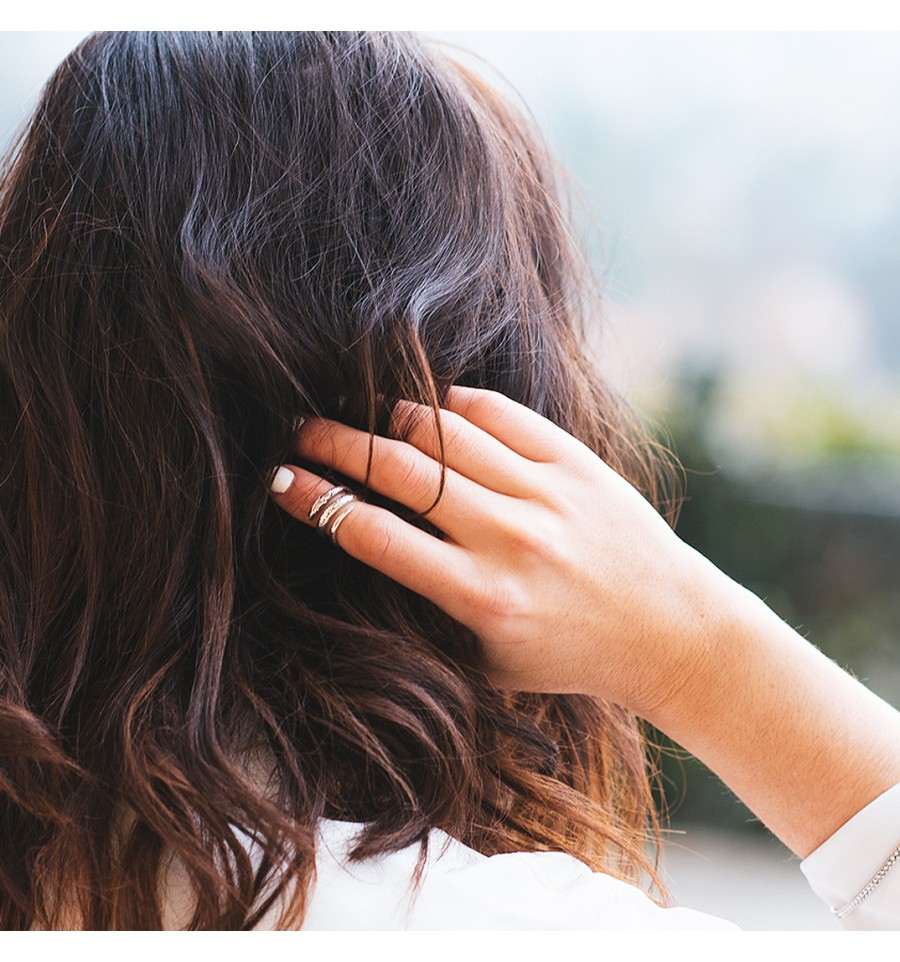 fotos de anel de falange protagonista