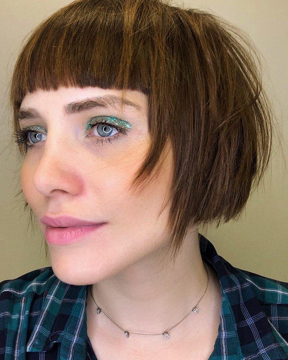 leticia colin de cabelo curto