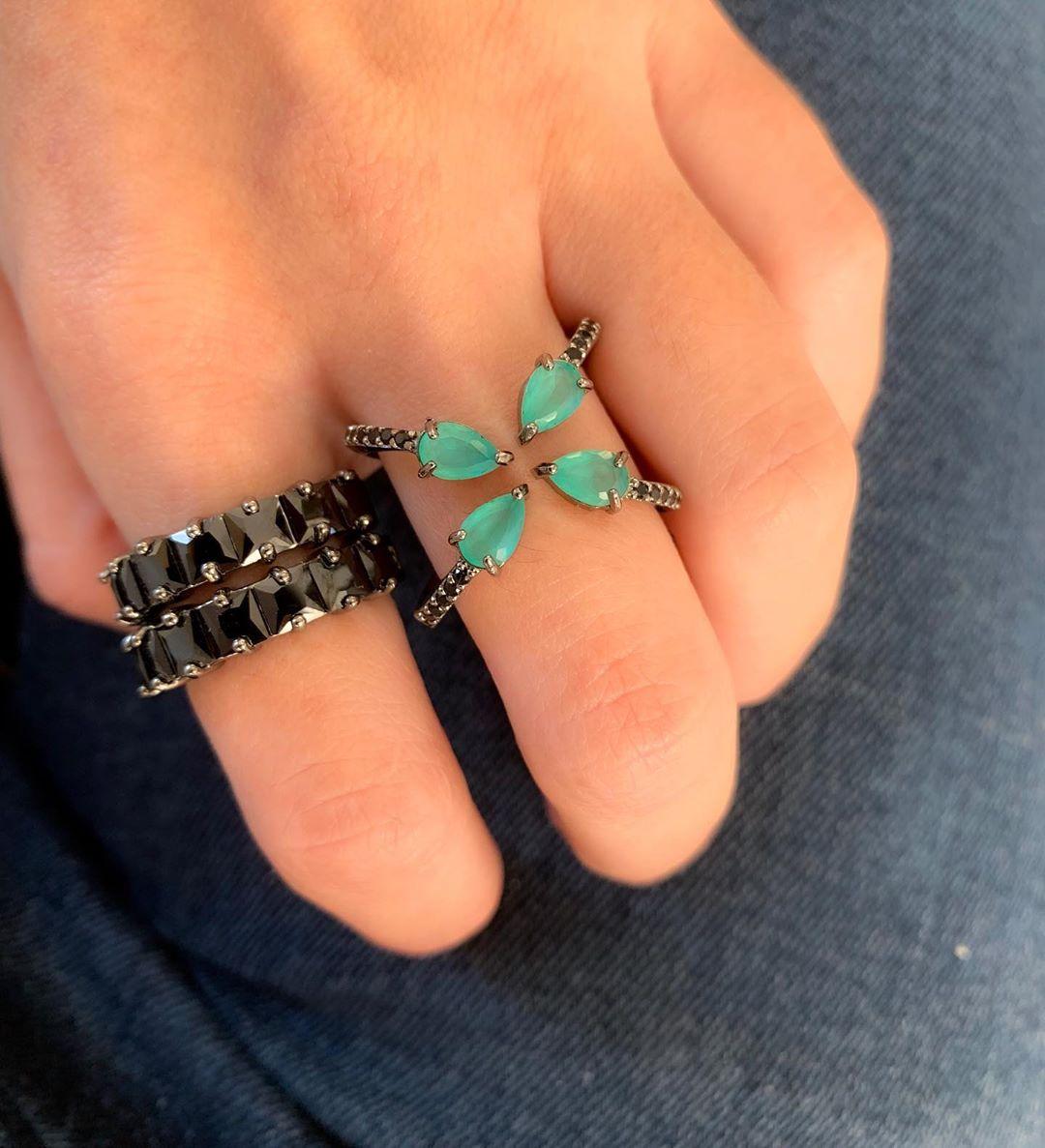 combinação de aneis verde