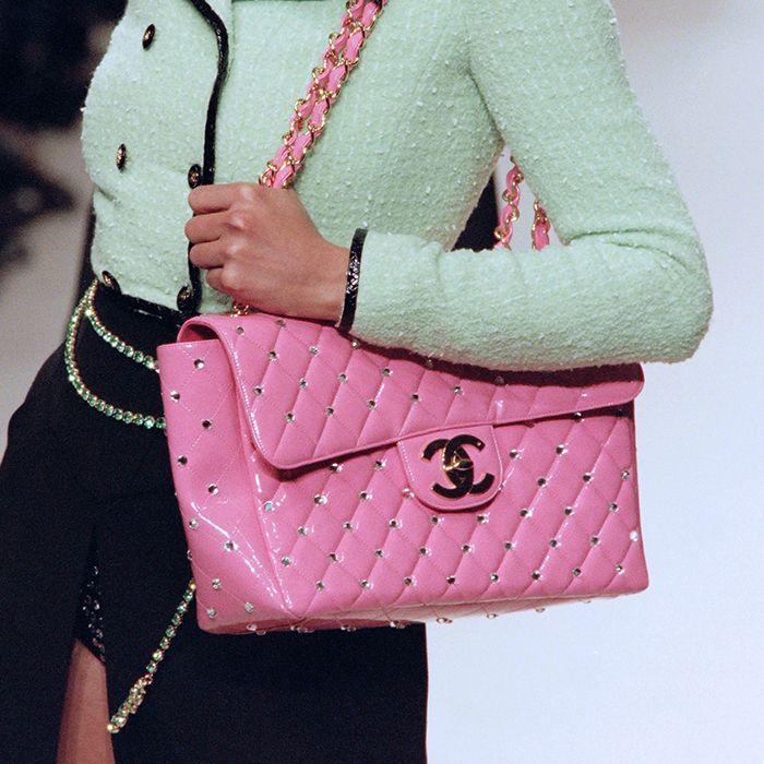 looks com bolsa rosa