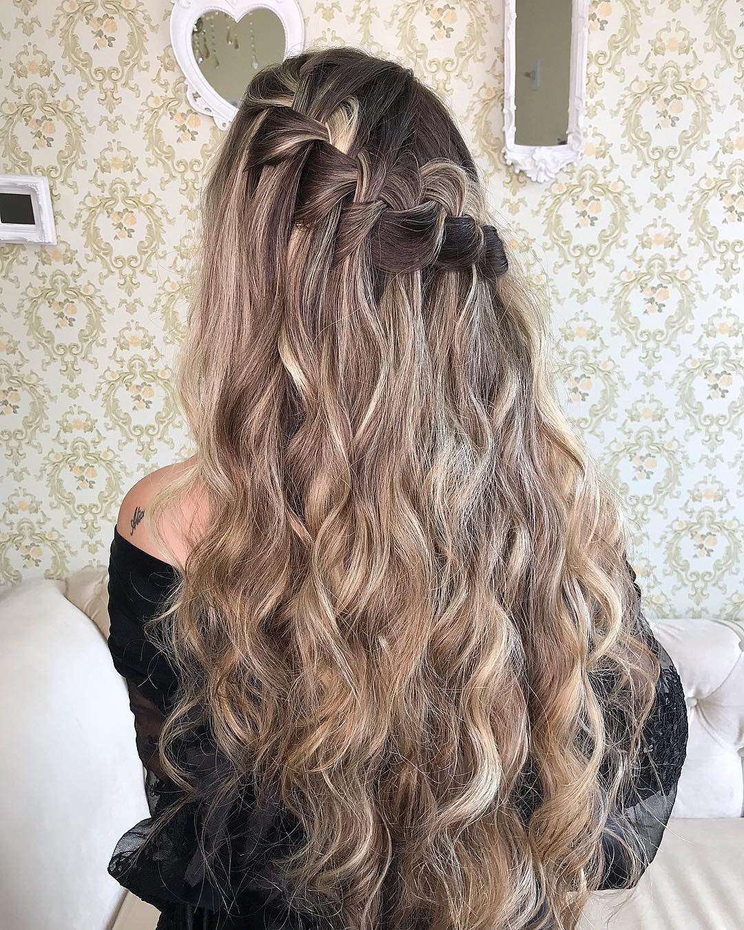 penteados de festa para cabelos ondulados