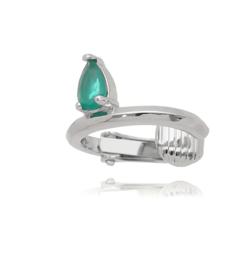 piercing esmeralda