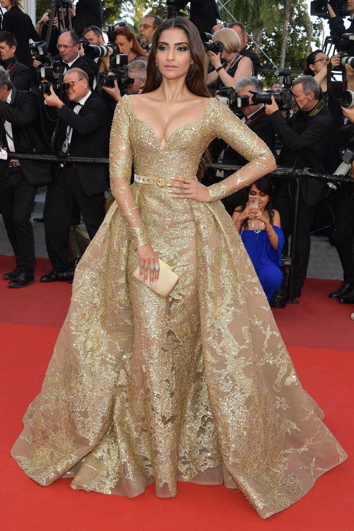 vestido de festa com manga comprida sonam kapoor