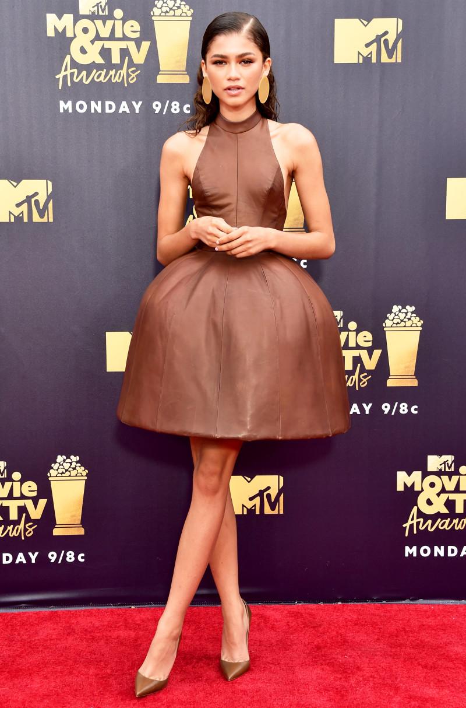 vestido de festa marrom