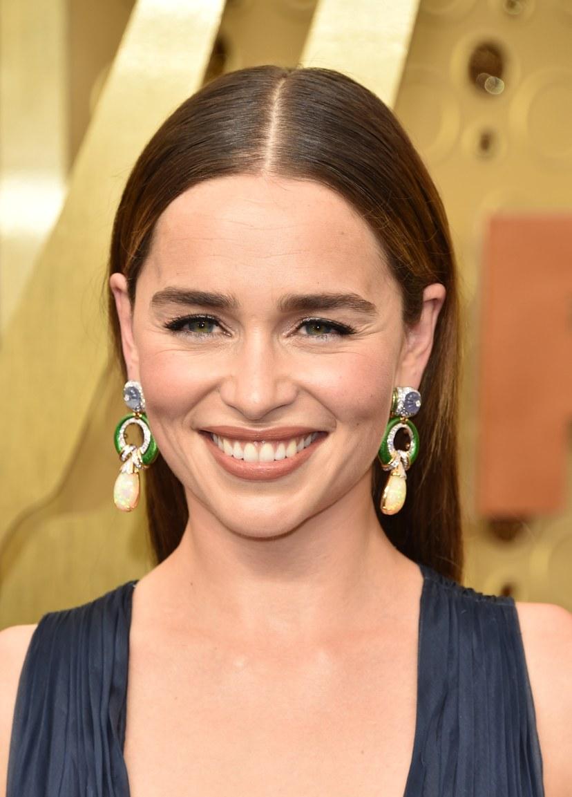 Brinco de Emilia Clarke no Emmy