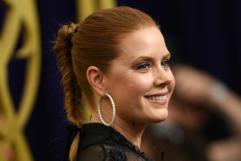 brincos da amy adams emmy 2019