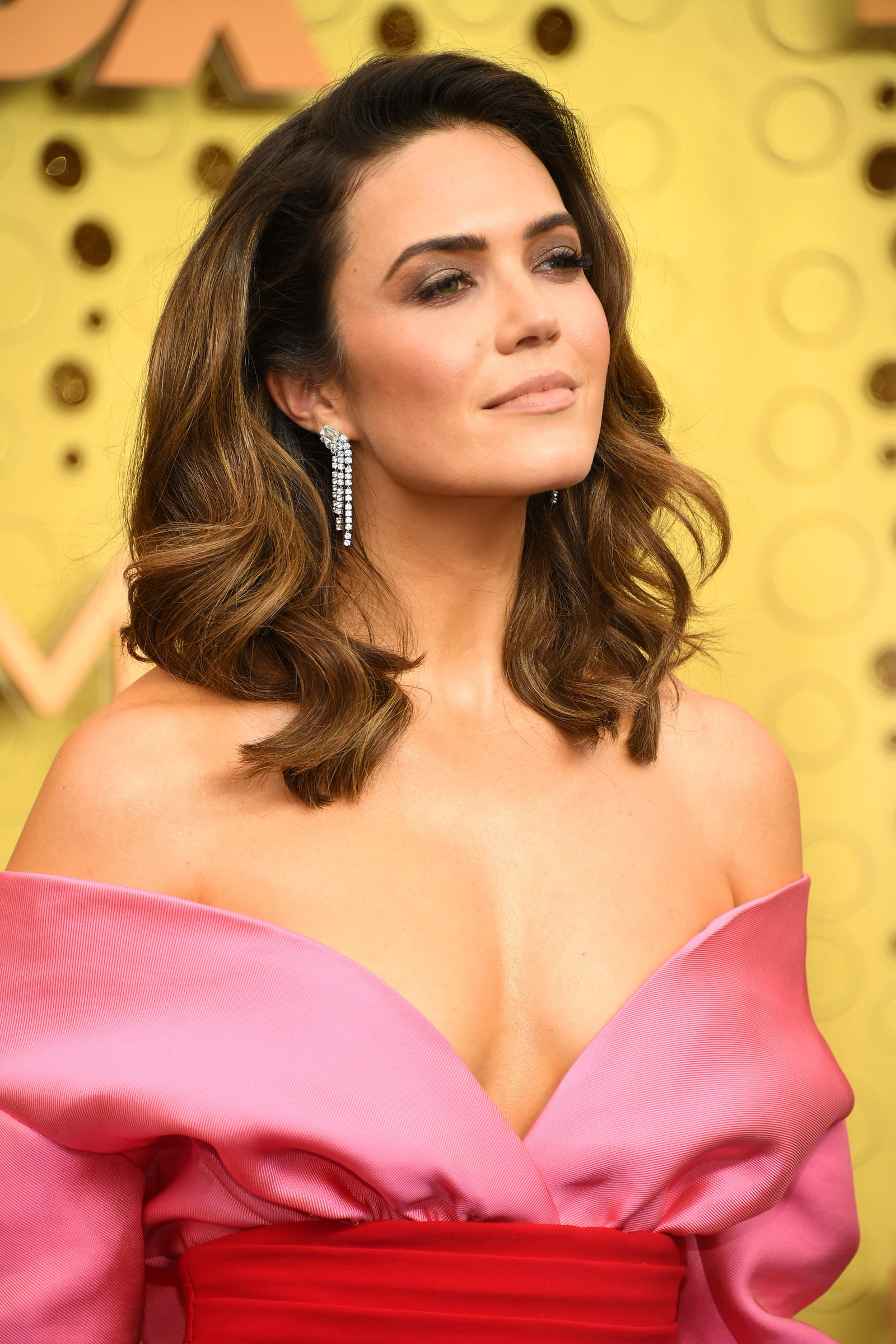 mandy moore brincos do emmy
