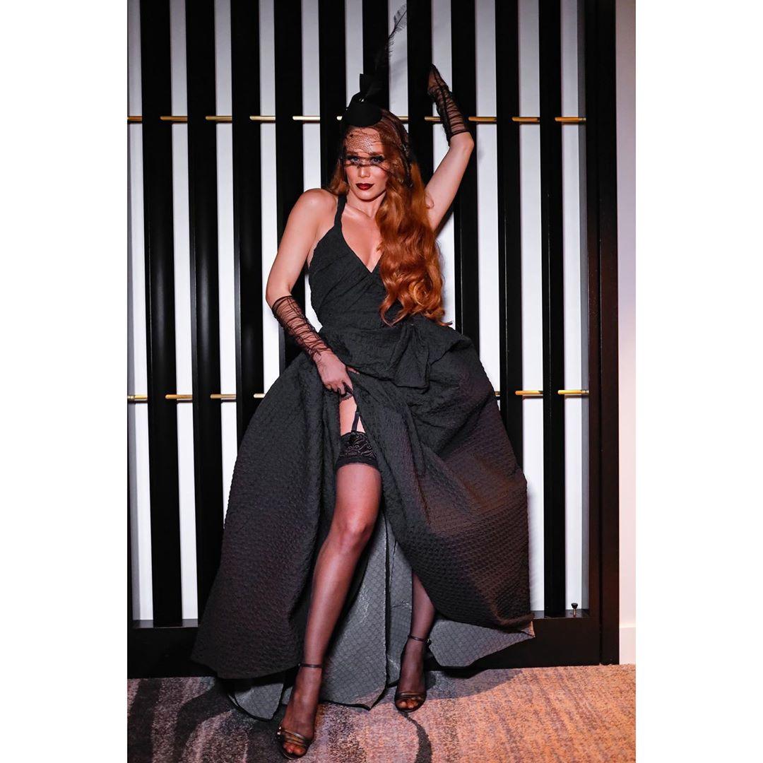 Mariana Ximenes baile da bruxa 2019