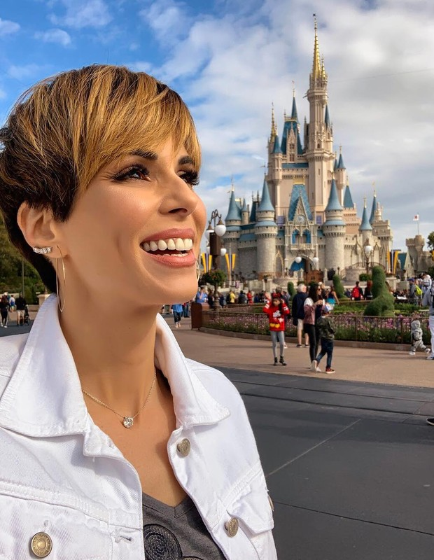ana furtado na disney