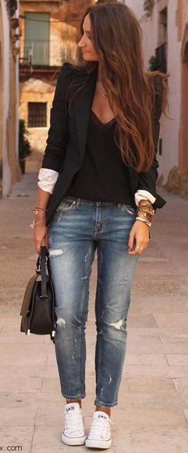 Modelo usando calça jeans